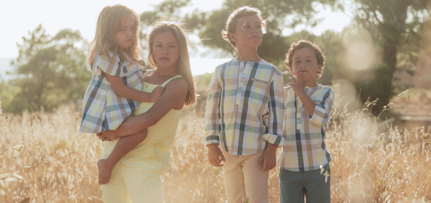 Brothers & Sisters Collection Editoral Zippy