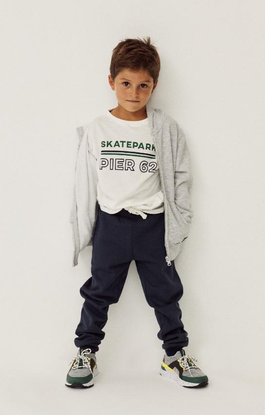 ropa deportiva para niño